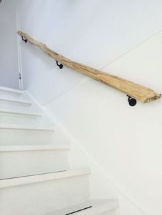 10 trapleuning ideas rnrnSource by inrichtinghuis Stair Banister, Banisters, Small Fireplace, Interior Stairs, House Stairs, Home Reno, Stairways, Home Projects, Home Remodeling