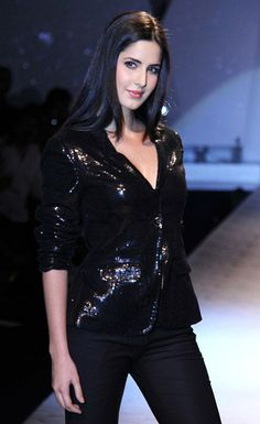 Katrina Kaif Hot HD Wallpapers and Videos Bollywood Girls, Indian Bollywood, Bollywood Stars, Bollywood Fashion, Bollywood Actress, Katrina Kaif Hot Pics, Katrina Kaif Images, Katrina Kaif Photo, Indian Celebrities