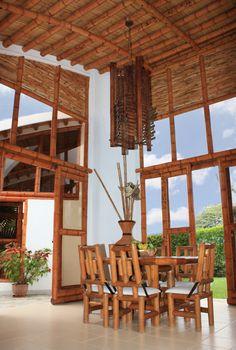 Guadua, Bambú decoración interior by carolinazuarq on Flickr Wooden House Design, Bamboo House Design, Bamboo Architecture, Facade Architecture, Filipino Interior Design, Sala Set, Hall And Living Room, Bamboo Building, Mud House