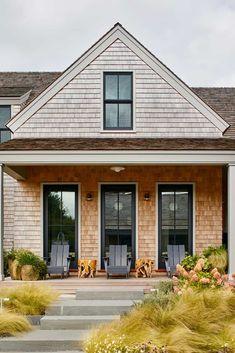 Modern Exterior, Exterior Design, Exterior Homes, Indoor Outdoor Living, Beach Cottages, Maine House, Beautiful Homes, House Design, Arquitetura
