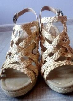 Kup mój przedmiot na #vintedpl http://www.vinted.pl/damskie-obuwie/sandaly/11723627-buty-slomiane-na-koturnie-z-odkrytymi-palcami