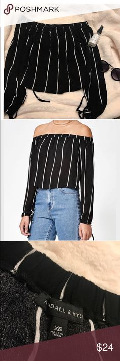 Kendall & Kylie off-shoulder long sleeved 🌙 bought at PacSun!! haven't seen this in a while , not sure if sold anymore. Size XS but can fit a S too! ❤ Kendall & Kylie Tops