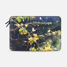 Summer blooming - Macbook Sleeve