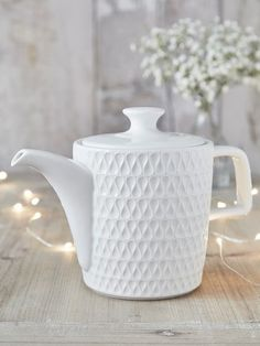Tea always tastes better from a teapot and this one is no exception!