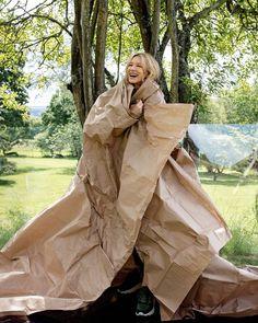 Cate Blanchett for W Magazine // 2018 photographed by Female Artists Rooney Mara Carol, Whered You Go Bernadette, W Magazine, Magazine Covers, Celine Dion, Cate Blanchett, Jason Momoa, Blake Lively, Runway Models