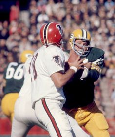 Falcons Football, Nfl Football Players, Sport Football, Football Helmets, Green Bay Packers History, Vintage Football, Atlanta Falcons, Drag Racing, American Football