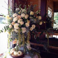 Entrance arrangement, creams and champagne tones. Inglewood estate