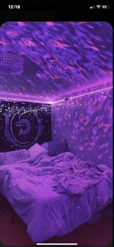 Neon Bedroom, Room Ideas Bedroom, Bed Room, Hippie Bedroom Decor, Hippie Bedrooms, Bedroom Inspo, Boho Decor, Girl Bedrooms, Edgy Bedroom