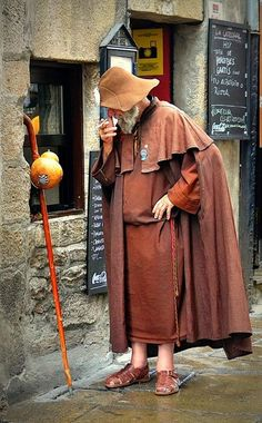 The piligrm - 'Zapatones' - a very well known figure in Santiago de Compostella...sadly he passed away just a few weeks ago...2015.