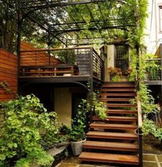 When I grow up, I want to have my own rooftop terrace escalier exterieur, marches en bois, rambarde escalier metallique, escalier terrasse Rooftop Terrace Design, Rooftop Garden, Backyard Patio, Backyard Landscaping, External Staircase, Exterior Stairs, Outdoor Stairs, Staircase Design, Modern Staircase