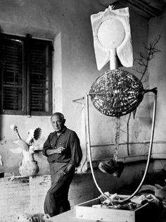 """""""Yo no evoluciono, yo soy. En el arte, no hay ni pasado, ni futuro. El arte que no está en el presente no será jamás"""" Pablo Picasso"""
