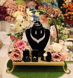 Indian Wedding Gifts, Creative Wedding Gifts, Wedding Welcome Gifts, Marriage Decoration, Wedding Stage Decorations, Engagement Decorations, Engagement Gift Baskets, Wedding Gift Hampers, Wedding Gift Boxes