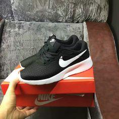 uk availability 46816 6956e Authentique Nike Tanjun Black Noir White blanc Sportswear NSW Mens Running  Shoes 812654-011 EUR