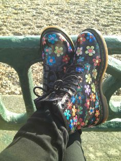 Floral Doc Martins Doc Martins, Shoes World, Hiking Boots, Combat Boots, Floral, Fashion, Moda, Fashion Styles, Flowers