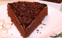 Tarta de chocolate, ron y almendras de Rachel Allen