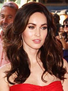 Best Celebrity Brunettes- loving this hair color & highlights combo