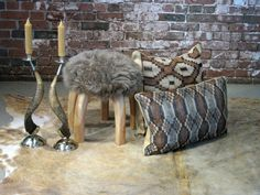 Earthy tones, lots of texture! Horn, silver, hide, wood, natural fibers!