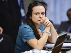 RS Notícias: Janaina Paschoal: rotina de isolamento pós-impeach...