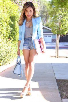 Look: blazer azul claro Sky Blue Blazer, Blue Blazer Outfit, Look Blazer, Blazer And Shorts, Casual Blazer, Blazer Outfits, Denim Shorts, Casual Shorts, Long Denim Skirt Outfit
