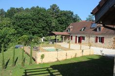 Dordogne Top rated Rouffignac-Saint-Cernin-de-Reilhac Holiday Gite Rental with internet access and balcony/terrace per week in june Holiday Destinations, Top Rated, Balcony, Terrace, Saints, June, Deck, Internet, Holidays