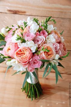 Hochzeit Brautstrauß aus Living ... kaufen, #brautstrau #hochzeit #kaufen #living Blush Pink Wedding Flowers, Romantic Wedding Colors, Bride Flowers, Blush Roses, Prom Flowers, Diy Wedding Bouquet, Floral Wedding, Spring Wedding Flowers, Floral Bouquets