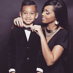 Mommy and son Sweet Motherhood Mommy And Son, Mom Son, Mother And Child, Black Is Beautiful, Beautiful Babies, Cute Kids, Cute Babies, Family Shoot, Mother Son Photography