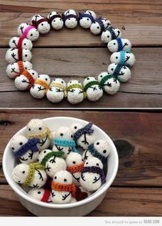 tiny knitted snowmen. pattern at http://www.ravelry.com/patterns/library/mochimochi-snowmen