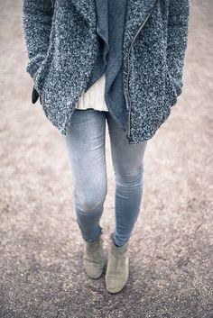 Étoile Isabel Marant jacket / Mango knit / Repeat scarf / Zara jeans / Isabel Marant boots / Céline bag // Logomania
