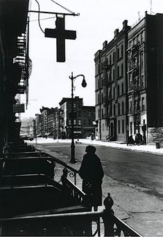 Gordon Parks Harlem Street at the Lord's Cross, 1943 From Bare Witness by Gordon Parks Gordon Parks, Kansas, Nyc Pics, New York Photos, National Gallery Of Art, Rue, Old And New, Vintage Photos, Street Photography