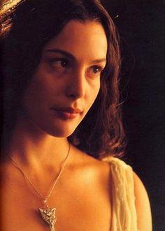 Liv Tyler en el Señor de los anillos - http://intueri-e-commerce-s-l.solostocks.com/catalogo   -   Síguenos también en FACEBOOK en https://www.facebook.com/pages/applextremecom/616852145029476?ref=hl
