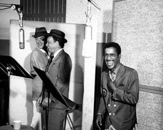 Rat Pack Recording Session: Entertainers and memebers of the Rat Pack, Dean Martin, Frank Sinatra and Sammy Davis, Jr. record in the studio in 1962. (Photo by Michael Ochs Archives/Getty Images) #1960s