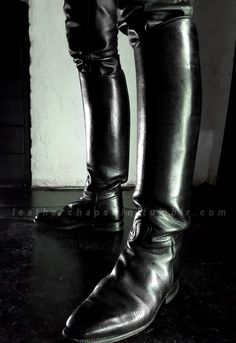 Nice boots for a nice sm session...