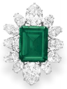 Pendant/brooch from Elizabeth Taylor's Bulgari emerald and diamond suite, circa 1958. Via Diamonds in the Library.
