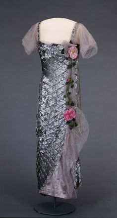 Evening Dress   c. 1921  -  Nasjonalmuseet for Kunst, Arketektur, og Design