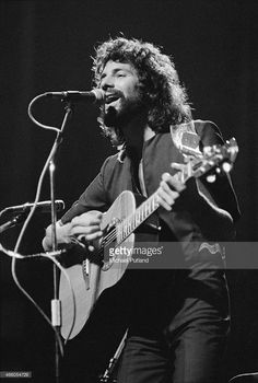 English singer-songwriter Cat Stevens (later Yusuf Islam), performing on stage, 1974.