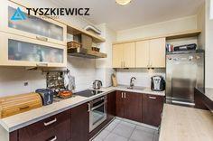 Komfortowe mieszkanie 3-pokojowe w świetnej lokalizacji, w pobliżu terenów rekreacyjnych Trójmiejskiego parku Krajobrazowego. Jednocześnie usytuowane bardzo blisko centrum miasta. Mieszkanie po generalnym remoncie, bardzo słoneczne, o przemyślanym układzie dla osób ceniących kunszt architektoniczny. Odpowiednie dla małżeństw i rodzin z dziećmi. #sopot #mieszkanie #rezydencja #centrum CHCESZ WIEDZIEĆ WIĘCEJ? KLIKNIJ W ZDJĘCIE!