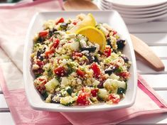 Mediterranean Couscous Salad - This Mediterranean meal is fast, flavorful, and healthy. A lemon and oregano dressing enlivens feta cheese and vegetables on a bed of quick-cooking couscous. Couscous How To Cook, Cooking Couscous, Mediterranean Couscous Salad, Mediterranean Food, Couscous Salad Recipes, Cheap Meals To Make, Greek Chicken Salad, Main Dish Salads, Cooking Recipes