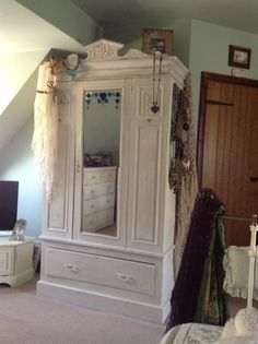 Painted wardrobe with Annie Sloane paint