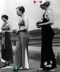 <br> 1930s Fashion, Vintage Fashion, Women's Fashion, Vintage Couture, Long Green Skirt, Maxi Skirt Boho, Ear Hair Trimmer, Look Thinner, Pajama Party