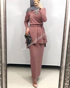 Abaya Style 429953095675199220 - Source by dancefortytwo Abaya Fashion, Muslim Fashion, Modest Fashion, Fashion Dresses, Hijab Style, Hijab Chic, Abaya Style, Modest Outfits, Dress Outfits