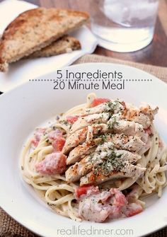 Alfredo Pesto Sauce with Chicken and Tomatoes {20 minute meal} {5 Ingredients} | reallifedinner.com