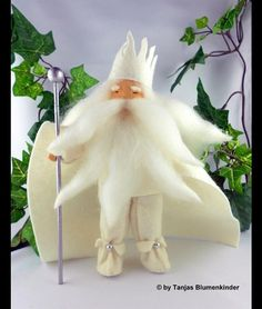 Jahreszeitentisch - König Winter Jahreszeitentisch Jahreszeitenfigur - ein Designerstück von Tanjas-Blumenkinder bei DaWanda