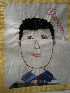 Auto-retrato bordado por aluno