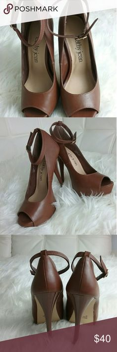 Ankle strap pump BRAND NEW,  NEVER BEEN WORN  (no box) Light brown platform pump Shoe Price (firm) - $35 Shipping  - $5  Don't Forget to Bundle & Save!!! Shoes Heels