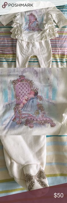 Blumarine Baby - MADE IN ITALY - 3 month old set High end Italian fashion designer Blumarine for baby (Made in Italy) - ruffle T-shirt with front decoration and footed pants with stud decorated ribbon on feet. Very cute and original. For 3 month old in great condition no rips or stains. Blumarine Matching Sets