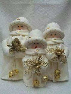 """Képtalálat a következőre: """"moldes anna orlyanikova"""" Christmas Sewing, Primitive Christmas, Felt Christmas, Christmas Snowman, All Things Christmas, Christmas Ornaments, Snowman Crafts, Decor Crafts, Diy And Crafts"""