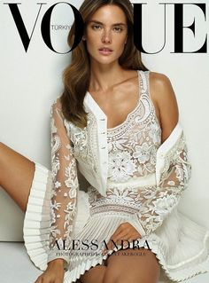 Fresh-faced Alessandra Ambrosio covers Vogue Turkey March 2015