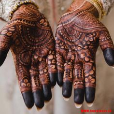 In the picture, the dimly shaded mehndi. the structure is same as the before mehndi yet it is drawn utilizing a dim shading in the mehndi plan. Hand Mehndi, Henna, Traditional Mehndi Designs, Mehndi Designs For Hands, Easy Drawings, Product Launch, Bride, Tattoos, Beautiful
