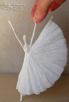 """DIY Napkin Paper Ballerina inspired by Edgar Degas's """"Little Dancer"""" - Artisanat de Serviettes de Papier Cute Crafts, Crafts For Kids, Arts And Crafts, Diy Crafts, Upcycled Crafts, Felt Crafts, Diy Paper, Paper Crafting, Tissue Paper Crafts"""