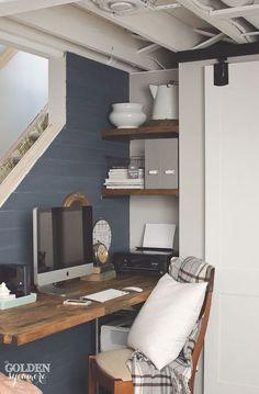 Rustic Office Nook Decorating Idea